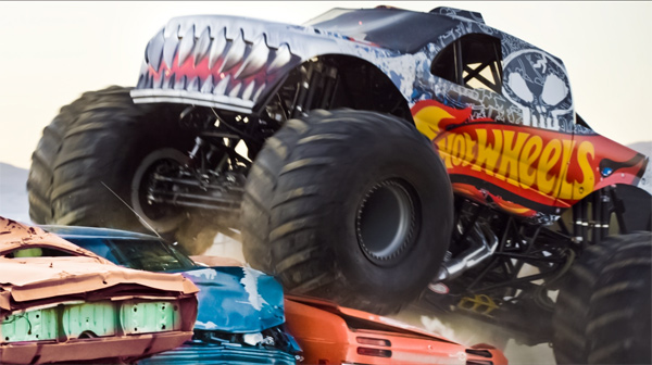 we know monster trucks hot wheels monster jam roar into 2012 season. Black Bedroom Furniture Sets. Home Design Ideas