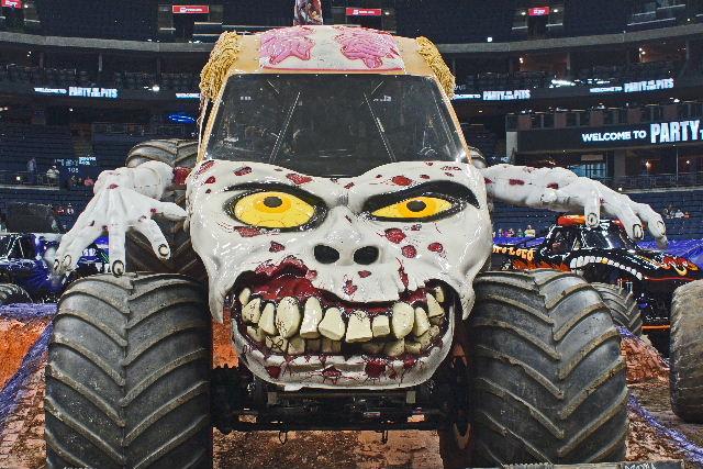 Monster Trucks! : Monster Photos: Monster Jam – Columbus, OH 2014
